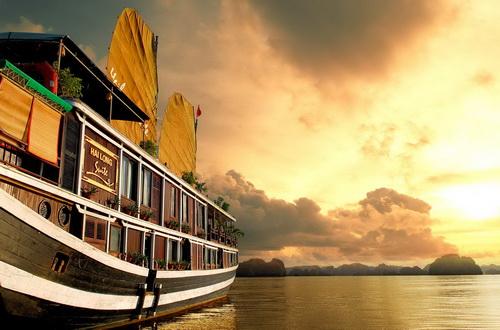 Du thuyền Hải Long Hạ Long 2 ngày 1 đêm