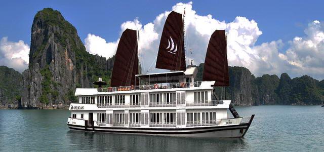 Du thuyền Pelican Cruise Hạ Long 2 ngày 1 đêm