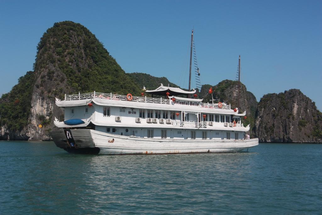 Du thuyền Hạ Long Oriental Sails 2 ngày 1 đêm