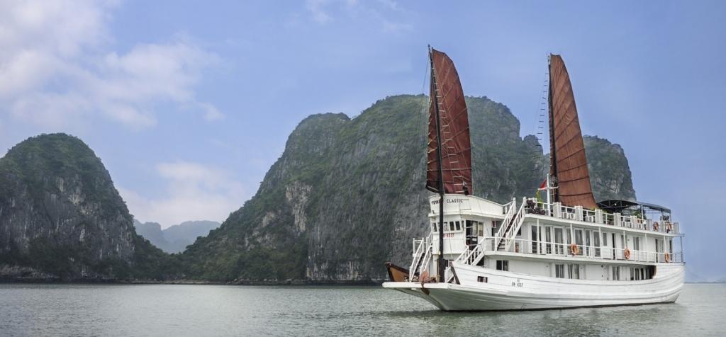 Du thuyền Hạ Long Classic Sail 2 ngày 1 đêm