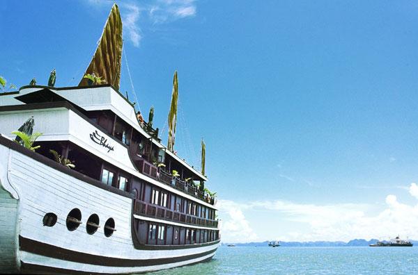 Du thuyền Bhaya Hạ long 2 ngày 1 đêm