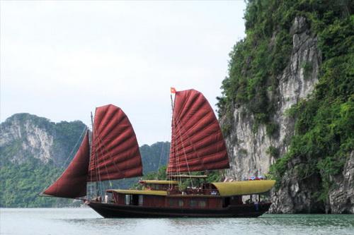 Du thuyền Bái Tử Long 2 ngày 1 đêm