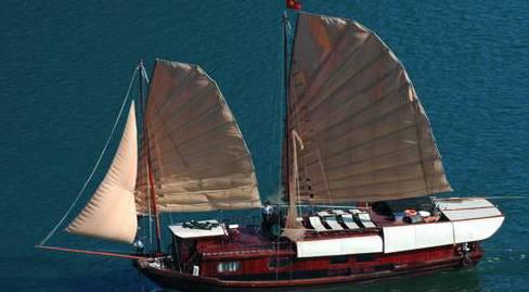 Du thuyền Lagoon Explorer Hạ Long 4 ngày 3 đêm