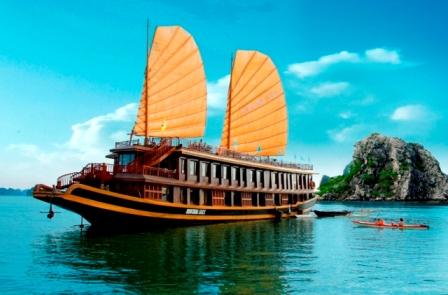Du thuyền Valentine Hạ Long 2 ngày 1 đêm