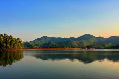 hồ núi cốc